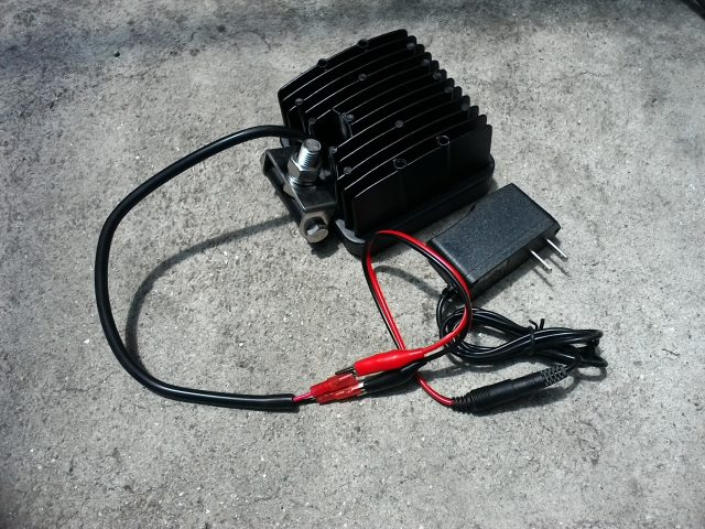 LED作業灯と変換アダプターを繋いでみた